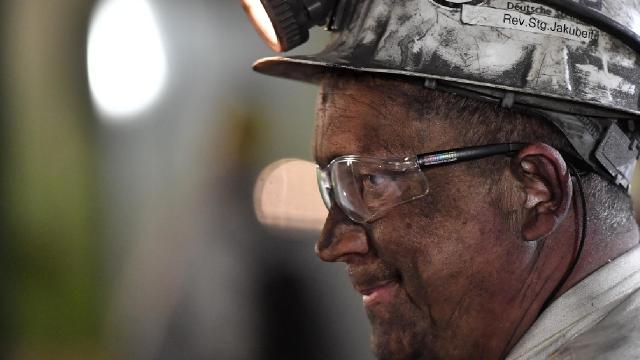 Kanadada mahsur kalan madencilerden 33ü kurtarıldı