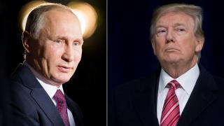 """Trump'ın Putin'e """"sana kameralar önünde biraz sert davranacağım"""" dediği iddiası"""