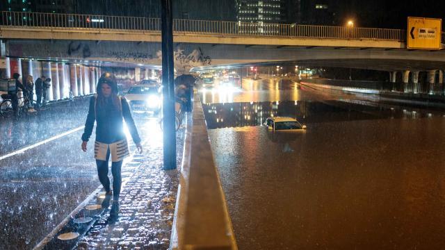 Slovenyada sel etkili oldu: Birçok sokak ve iş yeri su altında kaldı