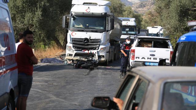 Muğlada kamyonla çarpışan motosikletin sürücüsü öldü