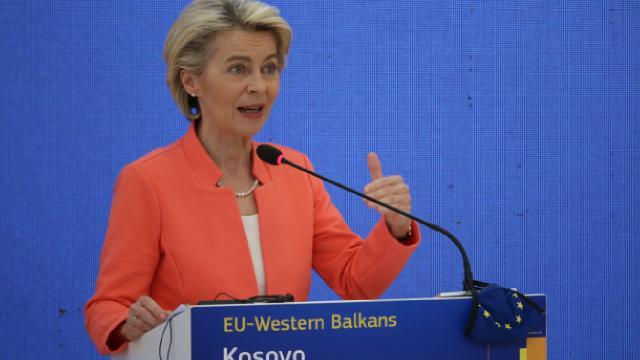 AB Komisyonu Başkanı von der Leyen Kosovayı ziyaret etti