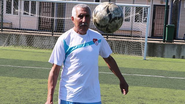 72 yaşındaki amatör futbolcu ara verdiği futbola geri döndü