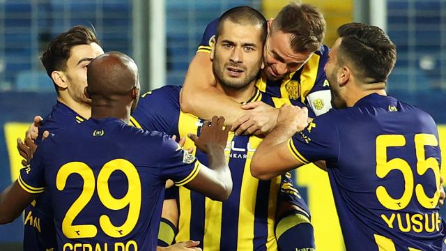 Eren Derdiyokun hedefi tekrar Süper Lig çıkmak