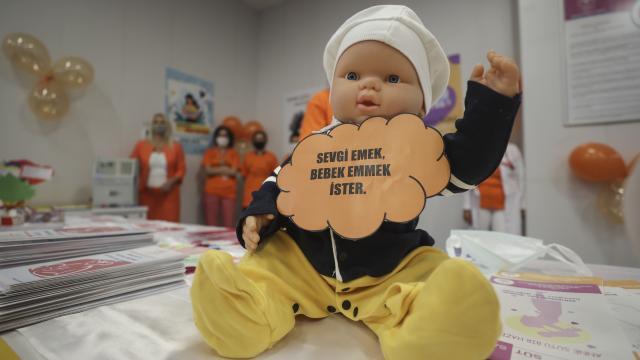 Emzirme döneminde Covid-19a karşı aşılanma, anneyi ve bebeği koruyor
