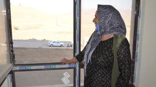 Yüksekova'da terör mağduru aileler yeni yuvalarına kavuşuyor