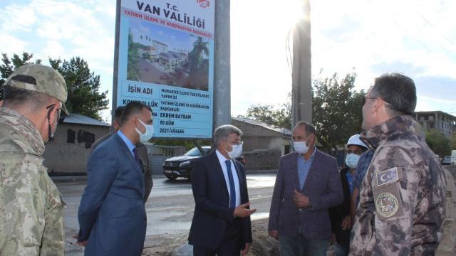 Vali Bilmez Muradiyede tekstil fabrikasını inceledi