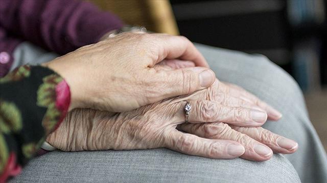 Evde bakım yardımı kapsamında 132 bin yaşlıya destek verildi