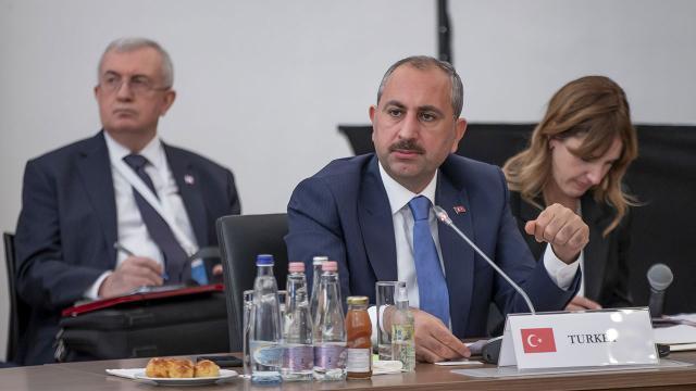 Bakan Gül: Yargıda dijitalleşme konusunda önceliğimiz insan onurunun korunması