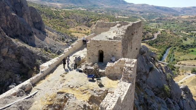 Eski Kahta Kalesinde kazı çalışmaları başladı