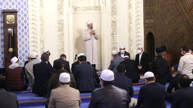 Diyanet İşleri Başkanı Erbaş: Camiler şehirlerin kalbidir