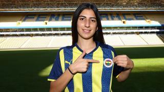 Fenerbahçe'den kadın futbol takımına takviye