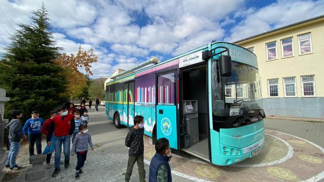 Kırşehirde gezici kütüphanenin yolculuğu yeniden başladı