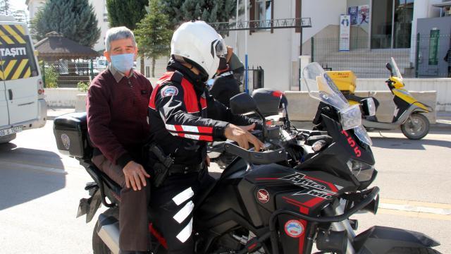 Şehit polisin ailesinden Beypazarı Motosikletli Polis Timi Amirliğine ziyaret