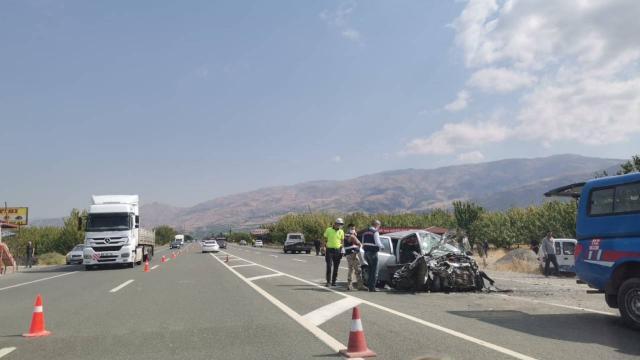 Malatyada zincirleme trafik kazası: 3 ölü, 5 yaralı
