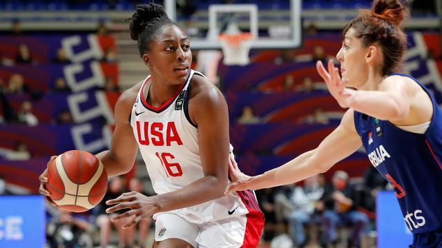 WNBAde yılın sportmenlik ödülünü Nneka Ogwumike kazandı