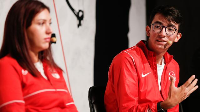 Olimpik sporcular ve yöneticiler deneyimlerini paylaştı