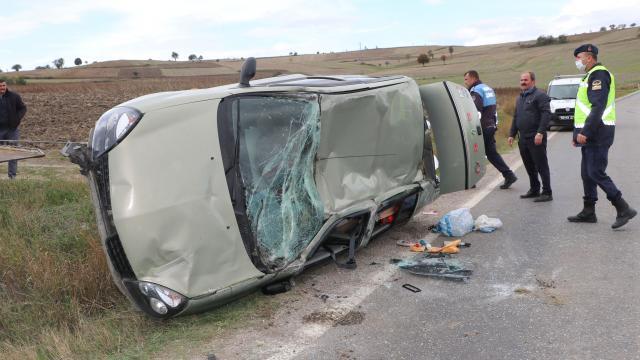 Samsunda devrilen otomobilin sürücüsü ağır yaralandı