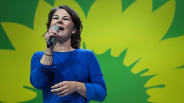 Almanyada Yeşiller üç partili hükümet istiyor