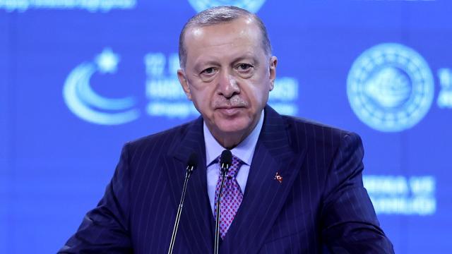 Cumhurbaşkanı Erdoğandan milli elektrikli lokomotif müjdesi