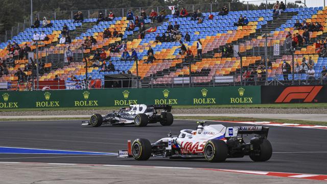 Formula 1 araçları İstanbul Park Pistine çıktı