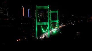 İki köprü 'Serebral Palsi'ye farkındalık için yeşile büründü