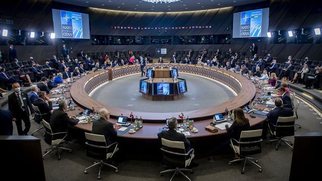 NATOnun gelecek yılki zirvesi Madridde yapılacak