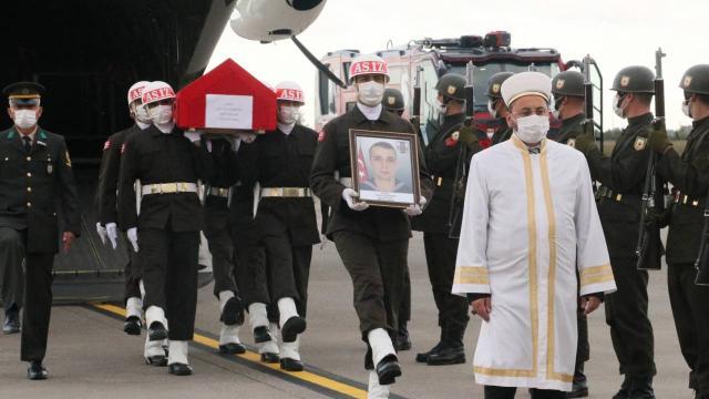 Şehit Tayfun Özkösenin cenazesi memleketi Samsuna getirildi