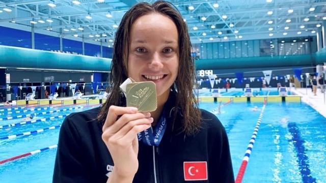 Milli yüzücü Viktoria Zeynep Güneşten altın madalya