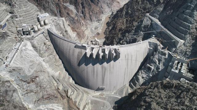 Yusufeli Barajı gelecek ay su tutmaya başlayacak