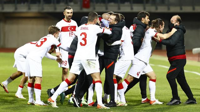 Türkiye Dünya Kupasına katılma umudunu koruyor