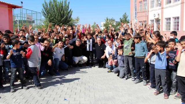 Beşiktaştan Siirtli öğrencilere giyim yardımı