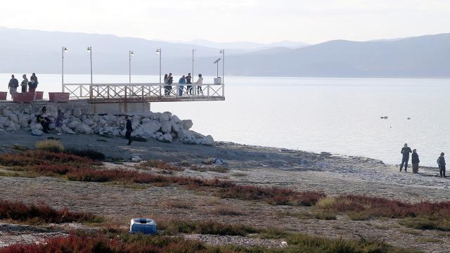 Burdur Gölü kuruma tehlikesi altında: İskele suya 2 metre uzakta