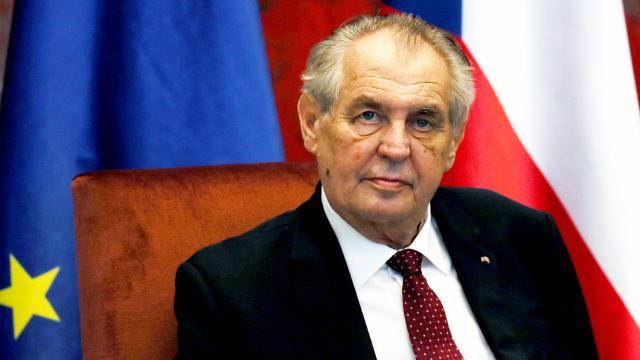 Çekya Devlet Başkanı Zeman seçimden bir gün sonra hastaneye kaldırıldı