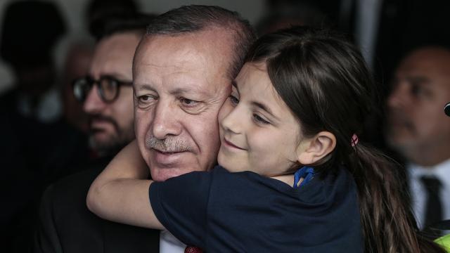 """Cumhurbaşkanı Erdoğandan """"Dünya Kız Çocukları Günü"""" paylaşımı"""