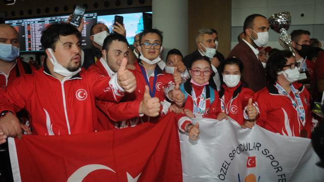 Down Sendromlular Futsal Milli Takımı yurda döndü