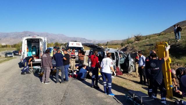 Erzincanda trafik kazası: 8 yaralı
