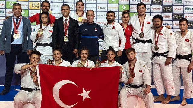 Genç judocular başarılarıyla dikkat çekti
