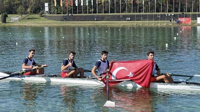 Genç milli kürekçiler Avrupanın zirvesine çıktı