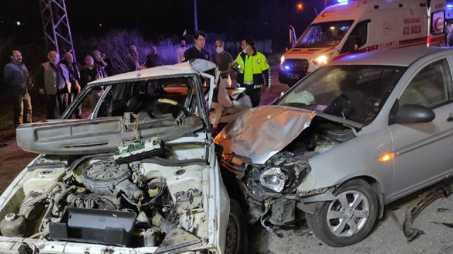 Samsunda iki otomobil çarpıştı: 6 yaralı