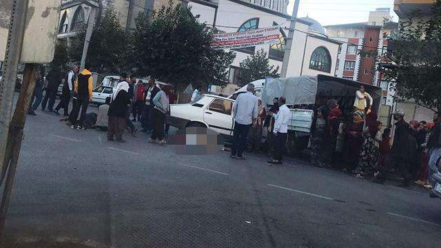 Şanlıurfada pikap ile otomobilin çarpışması sonucu 5 kişi yaralandı