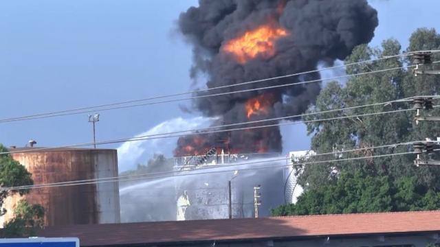 Lübnandaki petrol tesisi yangınında 250 bin litre benzin yandı