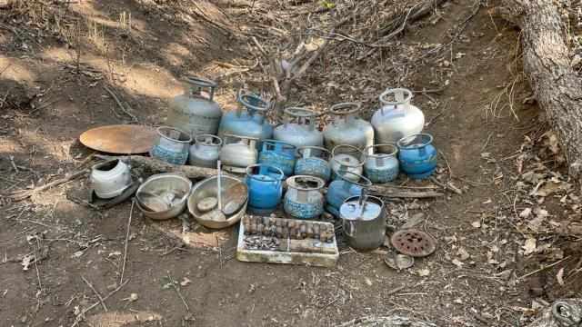 Muşta terör örgütü PKKya ait malzemeler ele geçirildi