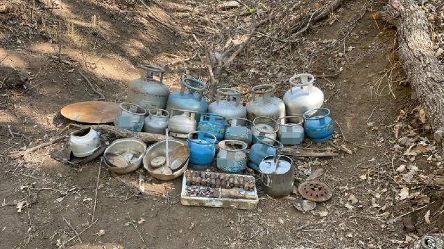 Muşta PKKlı teröristlere ait çeşitli malzemeler ele geçirildi