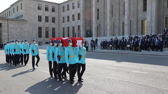 Eski İzmir Milletvekili Erkut Şenbaş için TBMMde tören düzenlendi