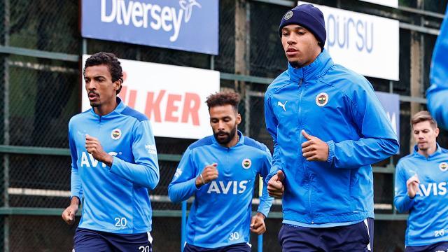 Fenerbahçede Tisserand takımla çalıştı
