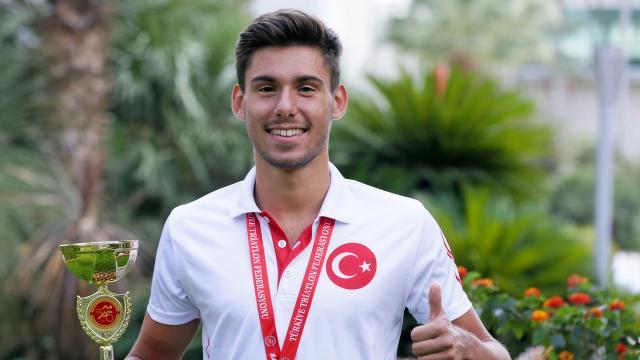 Gültiğin Er İspanyada Türk triatlon tarihine geçti