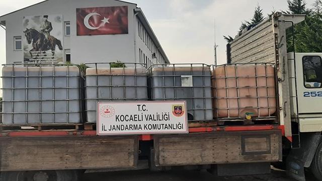 Kocaelide kamyondan 6 ton kaçak akaryakıt çıktı