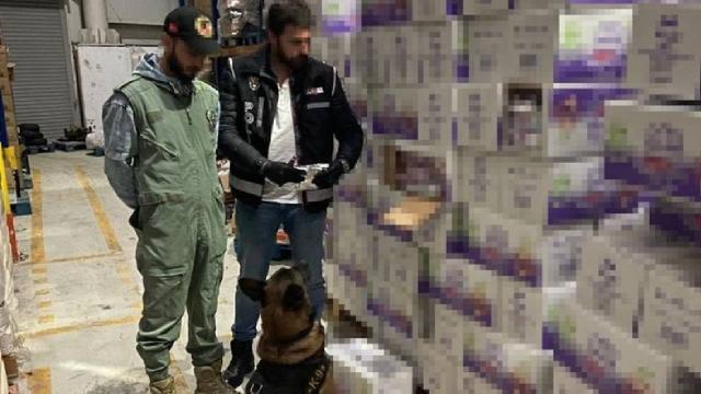 İstanbulda 1 ton kaçak nargile tütünü ele geçirildi