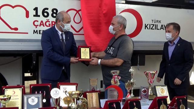 Rekortmen kan bağışçısı: 37 yılda 420 ünite kan verdi