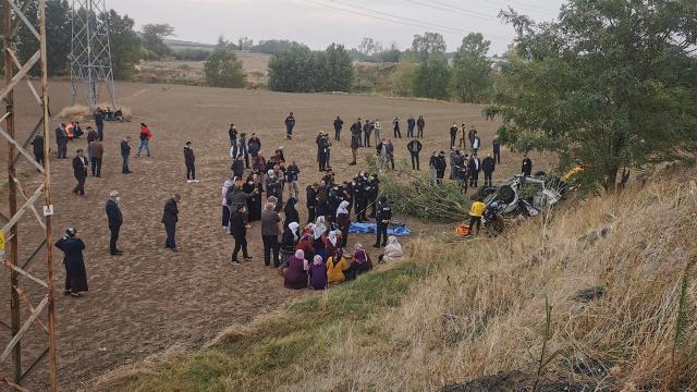 Tekirdağda otomobil şarampole devrildi: 3 ölü